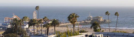 Parque de diversões no Oceano Pacífico, a paisagem da praia Imagens de Stock
