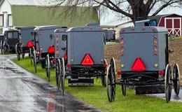 Parque de estacionamento de Amish imagens de stock royalty free