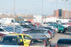 Parque de estacionamento do hipermercado Imagens de Stock