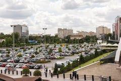 Parque de estacionamento dos carros em público Imagem de Stock Royalty Free