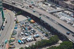 Parque de estacionamento na cidade Fotos de Stock