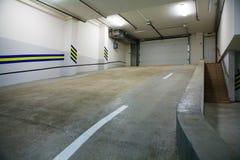 Parque de estacionamento subterrâneo Foto de Stock Royalty Free