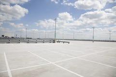 Parque de estacionamento vazio Fotografia de Stock Royalty Free