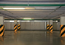 Parque de estacionamento vazio imagem de stock royalty free