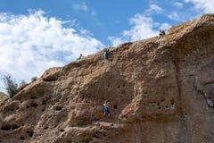 Parque de estado de la cala de Malibu - 11 de mayo de 2019: Escaladores de roca en el parque de estado de la cala de Malibu en la imágenes de archivo libres de regalías
