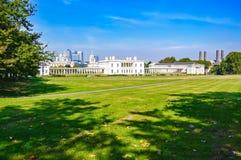 Parque de Greenwich, horizonte marítimo del museo y de Londres en fondo Imagenes de archivo