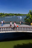 Parque de Herastrau com povos Imagens de Stock