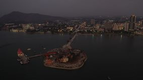 Parque de Koh Loy da vista aérea em Sriracha, Pattaya em Tailândia vídeos de arquivo