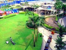 Parque de la alameda de la magnolia de Robinson en Ciudad Quezon, Manila, Filipinas en Asia fotografía de archivo