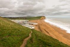 Parque de la caravana en la bahía del oeste Dorset en Reino Unido Imagen de archivo libre de regalías