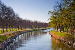 Parque de la ciudad de Djurgarden en la estación de resorte Imagenes de archivo