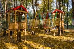 Parque de la cuerda de la aventura que sube Foto de archivo
