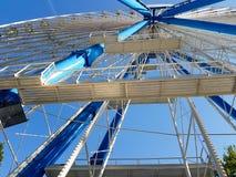 Parque de la diversión de la rueda Foto de archivo libre de regalías