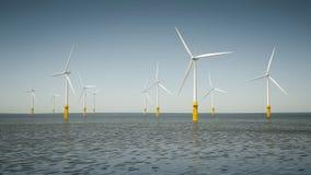 Parque de la energía eólica costero Imágenes de archivo libres de regalías