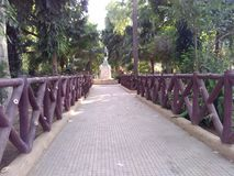 Parque de la entrada Fotos de archivo