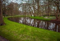 Parque de la flor de Keukenhof en Países Bajos Elementos del diseño del parque Imagen de archivo