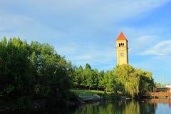Parque de la orilla del río Fotos de archivo