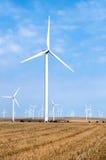 Parque de la turbina de viento en Rumania Imagen de archivo