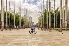 Parque de las luces eller Park av ljus i den Cisneros fyrkanten, Medell fotografering för bildbyråer