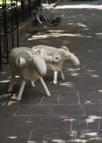 Parque de las ovejas de la estatua Imágenes de archivo libres de regalías