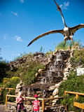 Parque de los dinosaurios en Leba Polonia Fotos de archivo libres de regalías