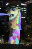 Parque de Merlion, Singapur 1 de abril de 2012: Merlion, atracción turística en Singapur Fotos de archivo