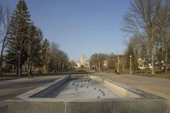 Parque de naturaleza de la primavera y la ciudad Fotografía de archivo libre de regalías