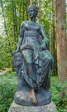 Parque de Pavlovsk A Sylvia & o x28 velhos; Doze paths& x29; estátuas clio Foto de Stock Royalty Free