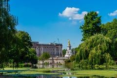 Parque de San Jaime en Londres, Reino Unido fotografía de archivo