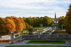 Parque de Vigeland en otoño fotos de archivo