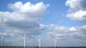 Parque de Windgenerator com efeito do timelapse vídeos de arquivo