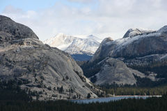 Parque de Yosemite na neve Fotografia de Stock Royalty Free