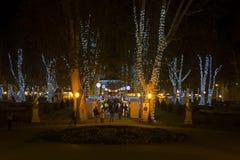 Parque de Zrinjevac adornado por las luces de la Navidad Fotos de archivo libres de regalías