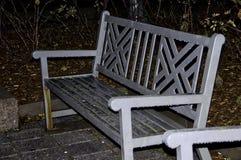 Parque del banco en la noche Imagen de archivo