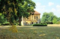 Parque del castillo en Horsovsky Tyn, República Checa fotografía de archivo