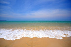 Playa del mar en Tailandia Fotos de archivo libres de regalías