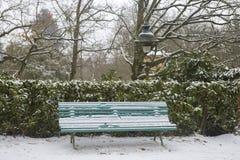 Parque del jardín en Rennes a Thabor con la nieve, Francia fotos de archivo libres de regalías
