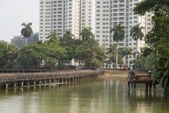 PARQUE DEL LAGO DE ASIA MYANMAR RANGÚN KANDAWGYI Fotos de archivo libres de regalías