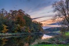 Parque do beira-rio de Wansbeck no crepúsculo Fotos de Stock Royalty Free