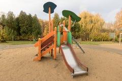 Parque do campo de jogos das crianças em público Fotos de Stock Royalty Free