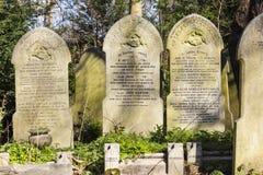 Parque do cemitério das aldeolas da torre em Londres, Reino Unido fotos de stock royalty free