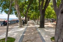 Parque do ponto de vista de Pedro de Alcantara do Sao - Miradouro em Portugal Fotos de Stock