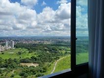 Parque dos nuvens da nuvem do céu da janela Imagens de Stock Royalty Free