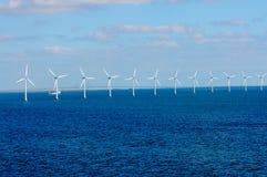 Parque eólico costero en el mar Báltico Imágenes de archivo libres de regalías