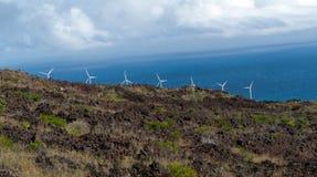 Parque eólico en Maui Hawaii Fotografía de archivo