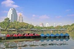 Parque e barcos da cidade Fotografia de Stock
