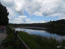 Parque e lagoa em Bogoroditsk fotos de stock royalty free