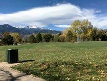 Parque e nuvens Imagem de Stock Royalty Free