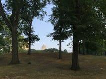 Parque en ciudad ocupada Imágenes de archivo libres de regalías