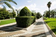 Parque en el centro de Nahariya, Israel fotografía de archivo